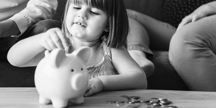 Így neveld a gyereket, ha azt akarod, hogy gazdag felnőtt legyen – 7 rossz beidegződés, amit el kell felejtened