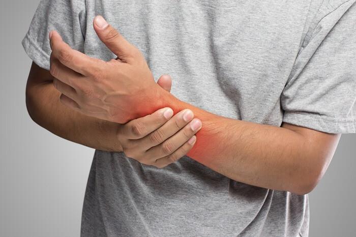 A kéz-, vagy lábzsibbadás 5 súlyos betegségre utalhat!