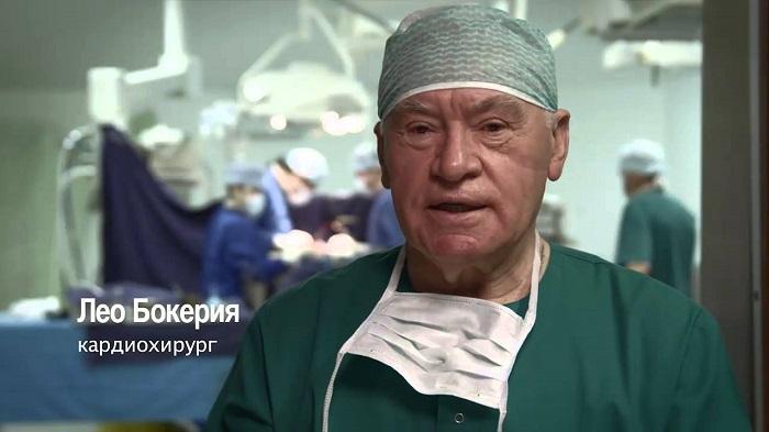 A világhírű sebész szerint az egészségtelen életmód a tanulatlan emberek választása