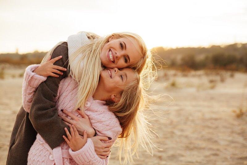 Így befolyásolja az ölelések hiánya a testi és lelki egészségünket: nem is gondolnánk mennyire fontos!